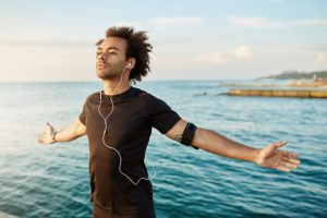 brething 300x200 - وضعیت اندام های بدن در کنترل تنفس   ژست در خوانندگان