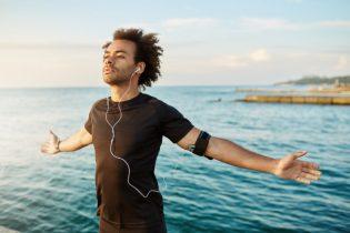 brething 315x210 - وضعیت اندام های بدن در کنترل تنفس   ژست در خوانندگان